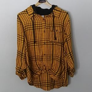 No Boundries hi-low long sleeve shirt